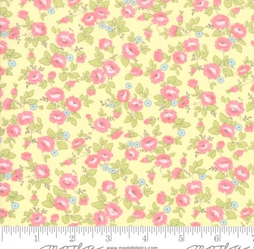 MODA FABRICS - Finnegan - Sunny - Small Floral