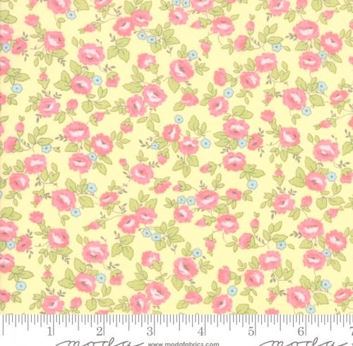 MODA FABRICS - Finnegan - Sunny - Small Floral #3057