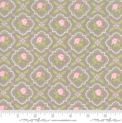 MODA FABRICS - Finnegan - Pebble - Floral Tile