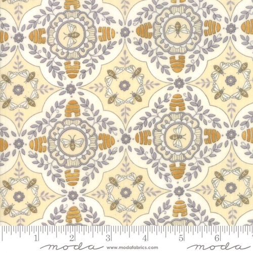 MODA FABRICS - Bee Joyful - A Bee's World Parchment