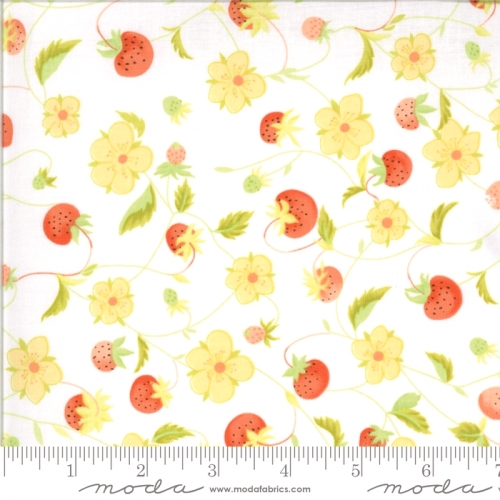 MODA FABRICS - Chantilly - Strawberries And Blossoms Cloud - #2381-