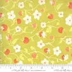 MODA FABRICS - Chantilly - Strawberries And Blossoms Sprout