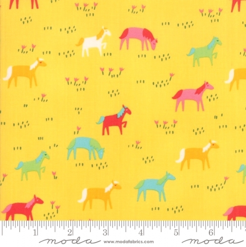MODA FABRICS - Best Friends Forever - Horses Yellow - #1836