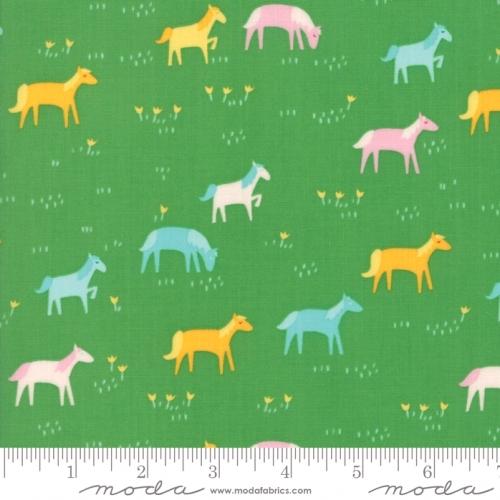 MODA FABRICS - Best Friends Forever - Horses Green - #1819