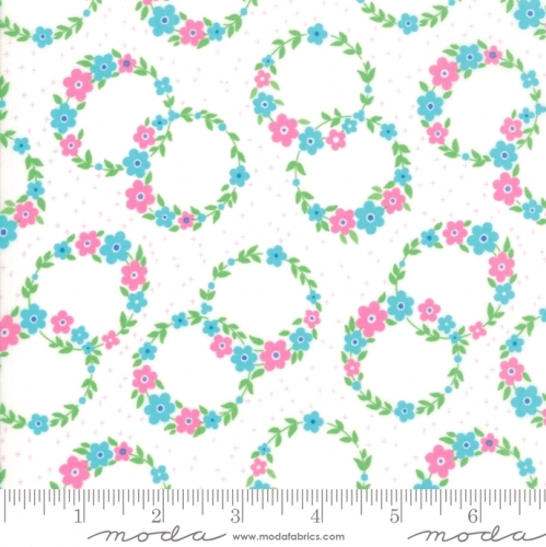 MODA FABRICS - Flower Sacks - Floral Wreath White/Aqua - #1875