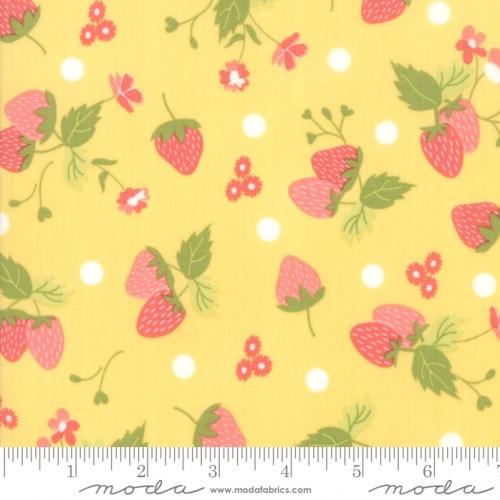 MODA FABRICS - Strawberry Jam - Strawberries Sunshine