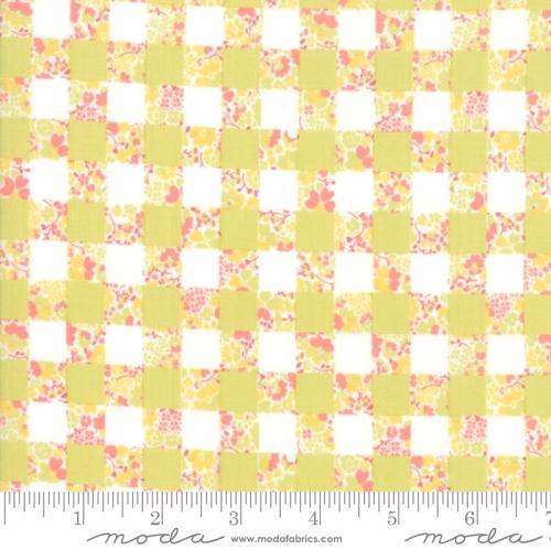 MODA FABRICS - Strawberry Jam - Checkerboard Seedling - #2751-