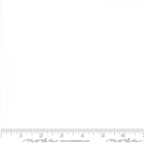 MODA FABRICS - Merry Merry Snow Days - Snow - White