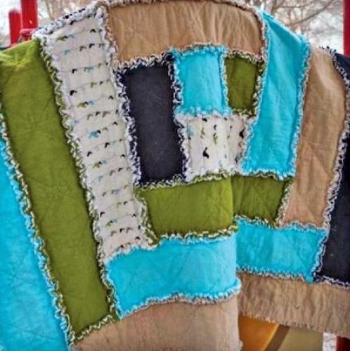 Cut Loose Press - Baby Rag Log Cabin Quilt Pattern
