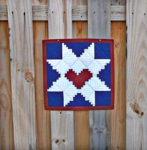 Cut Loose Press - Log Cabin Star Mini Quilt Pattern