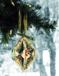 PoorHouse Quilt Designs: Fold N Stitch Ornaments