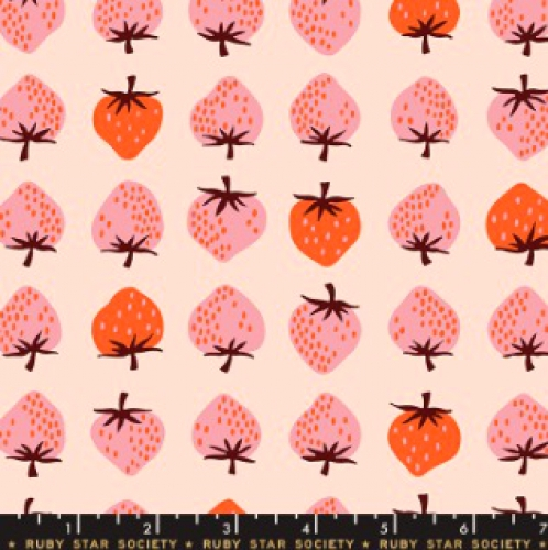 MODA FABRICS - Ruby Star - Darlings - Peach